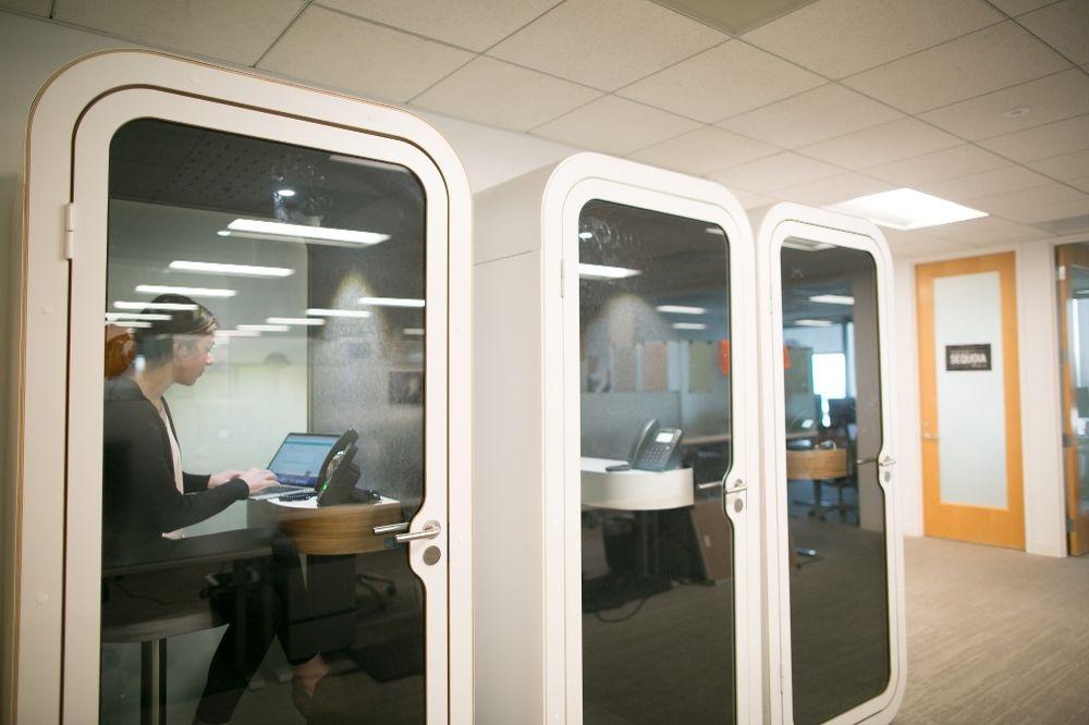 Telefon Konuşma Kabinleri
